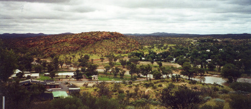Alice Springs and the receding Todd River, 23 April 2000 (photo by A. Jefferson)