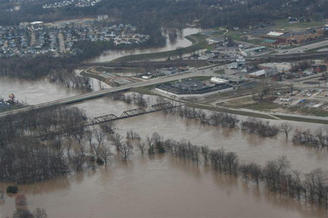 A levee protecting the town of Valley Park, Missouri from 2008 flooding of the Meramec River, a tributary of the Mississippi. (photo by the City of Valley Park)