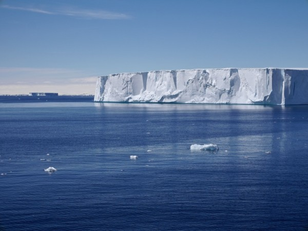 Tabular Icebergs in Antarctic Sound