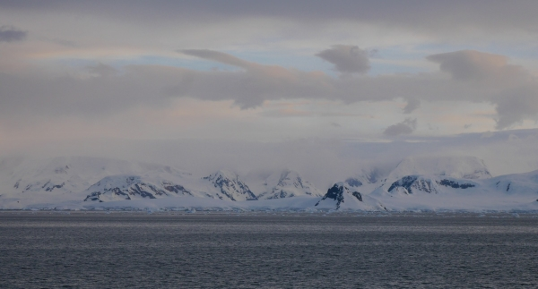 More fabulous scenery in the Neumayer Channel.