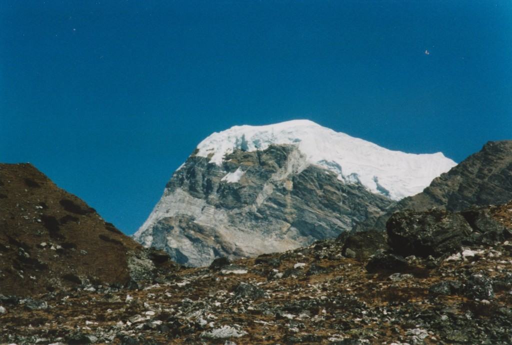 Granitic sill and feeder dyke, khumbu valley
