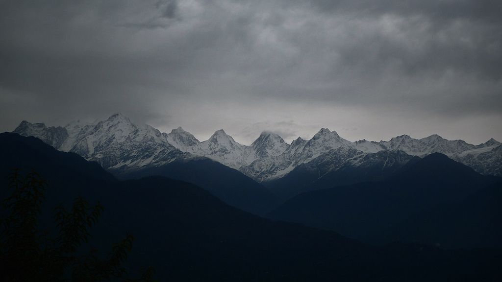 Himalayan rain from nandadevieast on Flickr