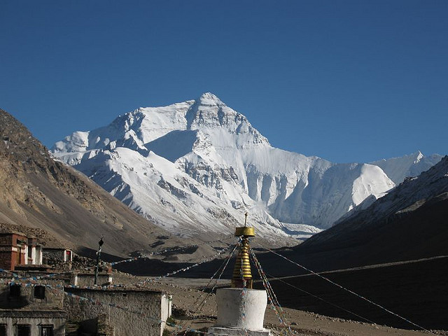 Mount Everest from the North. Image under CC from steynard